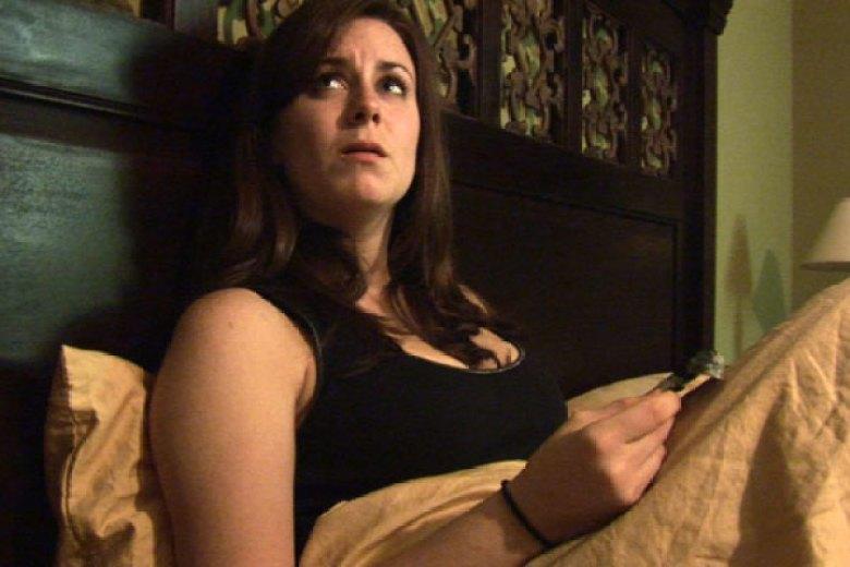 Katie Nel letto paranormal activity