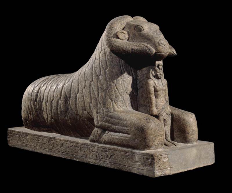 Statua di Amon-Ra con ariete