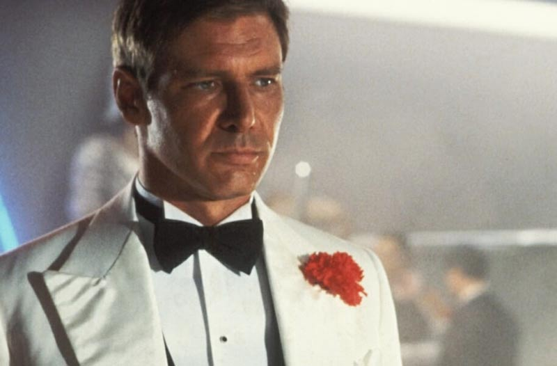 Indiana Jones smoking bianco