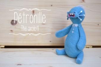 [:en]Blue Pétronille for adoption![:fr]Pétronille bleue à adopter![:]