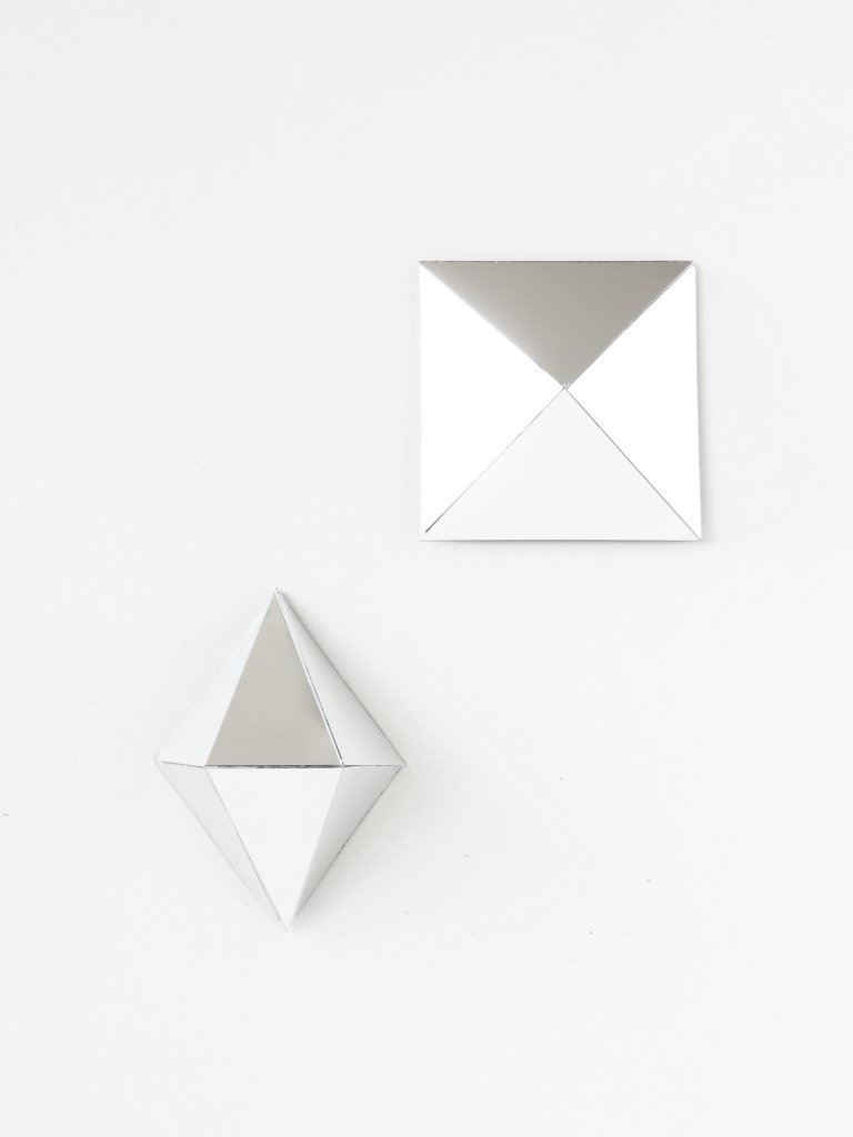 DIY 3D Mirrors - Diamond Wall Art - monsterscircus