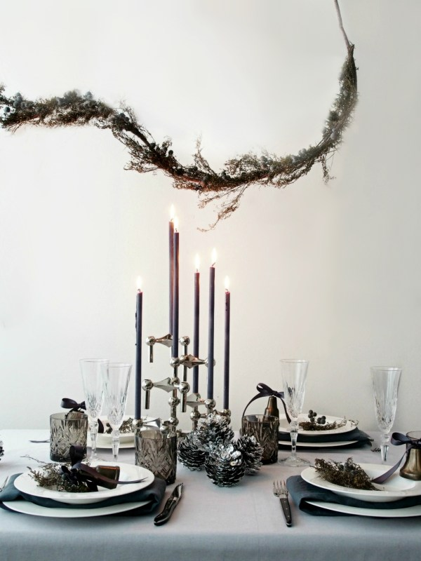 Diy New Year 39 S Eve Table Setting Effortless Ideas For