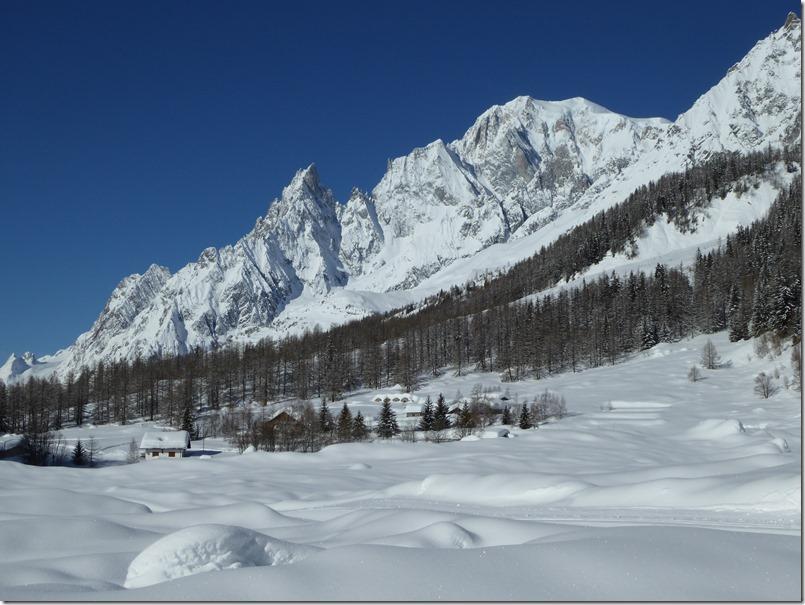 Hameau du Tronchey et le Mont Blanc