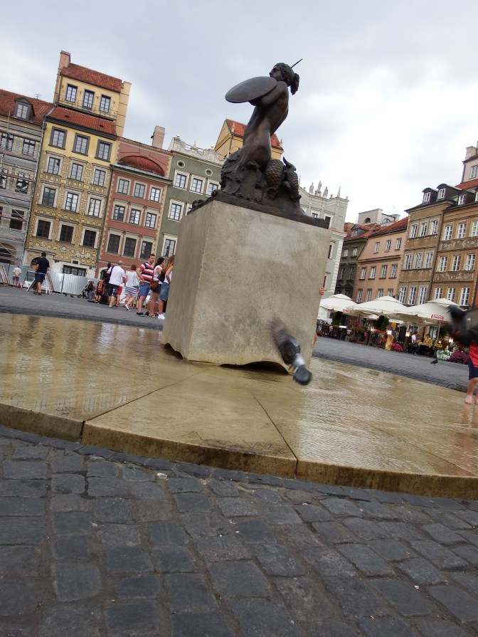 Our guide gave a fantastic introduction to the legend on the origins of Warsaw about a boy and a mermaid