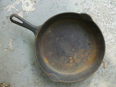 cast iron skillet photo