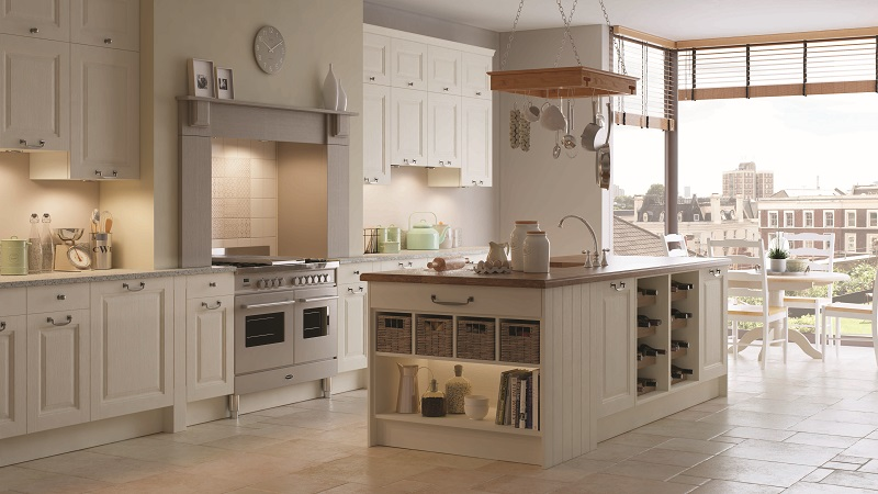 traditional kitchen, mereway kitchens, gainsborough calico and pumice