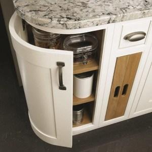 mereway-british-kitchens-close-up-bottom-cupboard