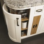 mereway-british-kitchens-close-up-bottom-cupboard