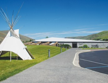 Experience the Past of the Nimi'ipuu at the Nez Perce National Historical Park Visitor Center