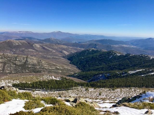 Valle del Arroyo de las Canalejas visto desde el cordal del Santuy.