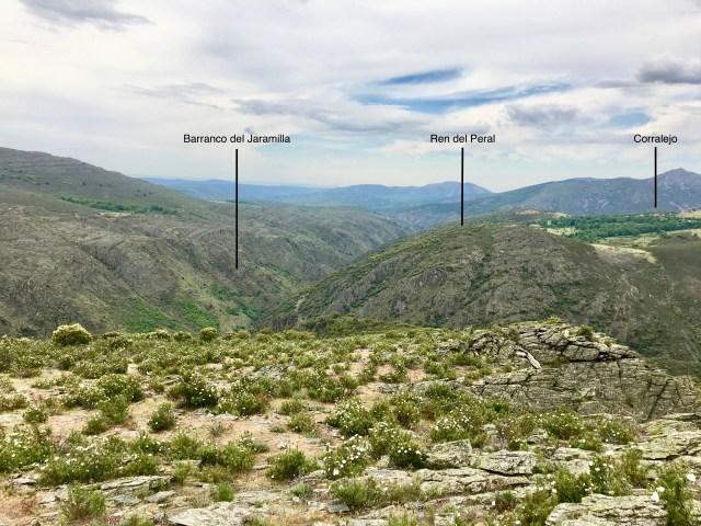 Cerro Ren del Peral visto desde El Cerrajo.