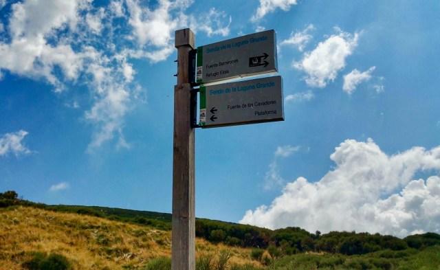 Letrero en el desvío al Morezón (Vereda al Refugio del Rey).