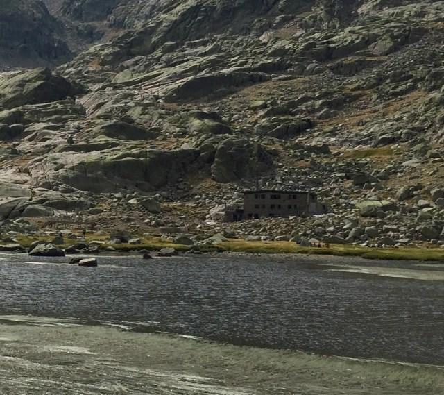 Refugio Laguna Grande.