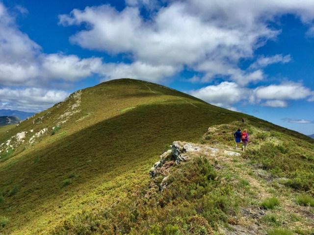 Arriba, la cima del Formigueiros.