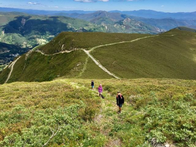 Descendiendo del Formigueiros por la ladera E.