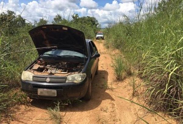 Quadrilha invade fazenda, faz funcionários reféns e rouba carro, defensivos agrícolas e dinheiro