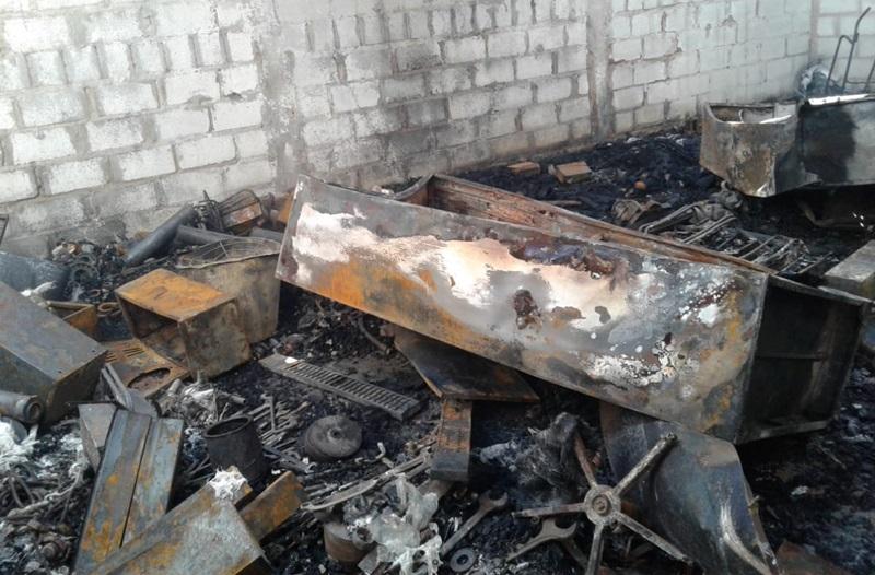Incêndio destrói galpão de empresa em Vazante