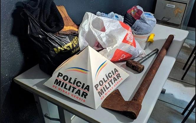 Quatro pessoas são presas suspeitas de furtarem e esquartejarem vaca em Patos de Minas