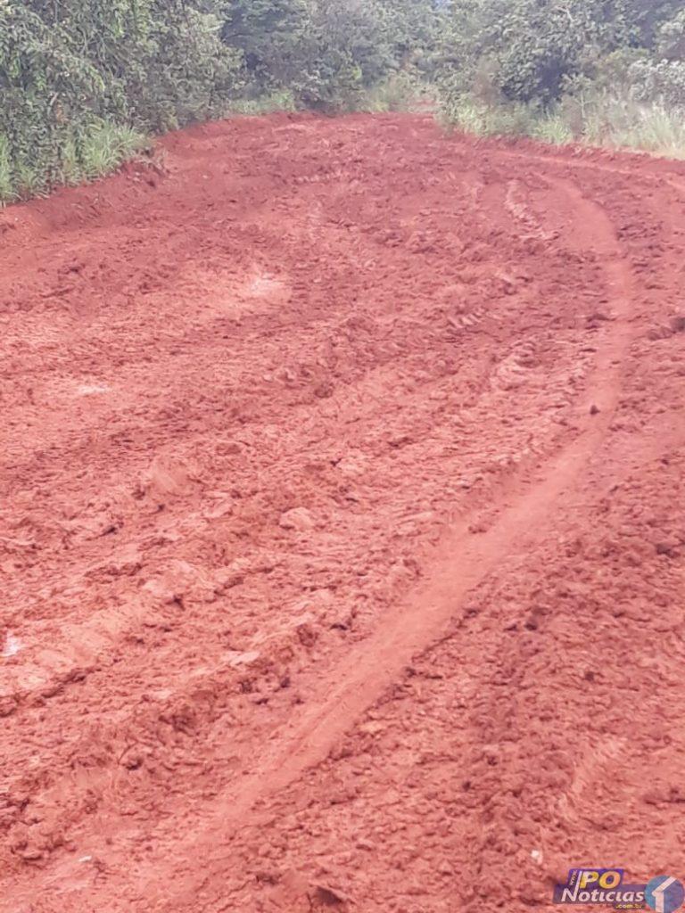 Chuvas voltam a deixar estradas em péssimas condições e moradores cobram providências em PO