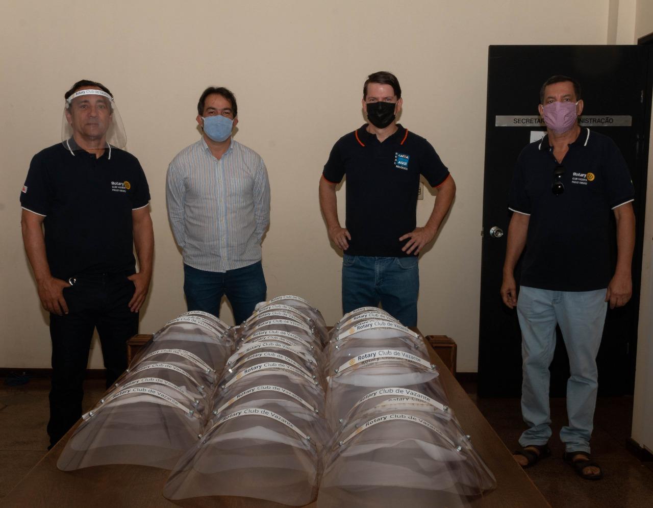Rotary Club de Vazante doa equipamentos de proteção para profissionais do hospital municipal