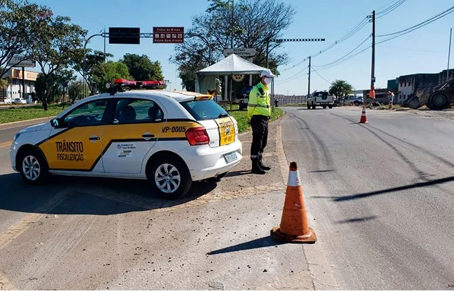 Barreiras Sanitárias e restritivas começam a funcionar em Patos de Minas