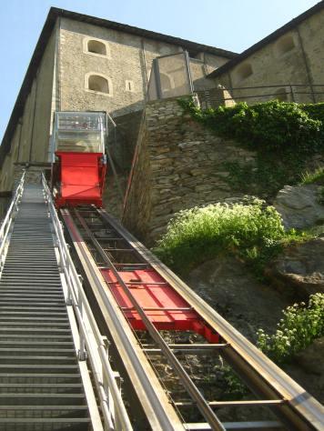 Fun on the funicular at the Forte di Bard © montblancfamilyfun