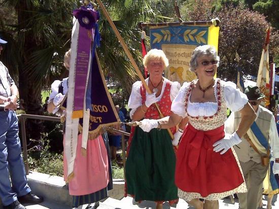 Flag Parade, Dunsmuir
