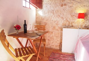 agroturismo-red-twinroom-table