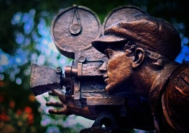 cameraman-bronze