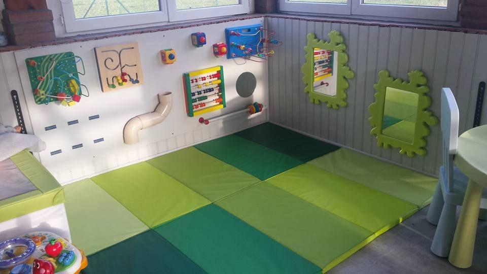 salle de jeux montessori