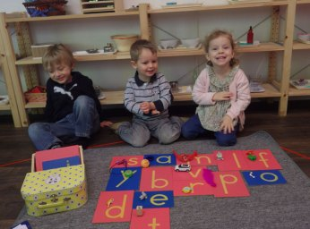 lettres rugueuses montessori objets