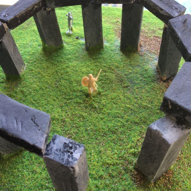 Montessori International Bordeaux : Art fabrication d'un décor de Stonehenge- projet fini