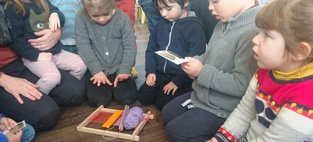 Couture et tricot à l'école Montessori