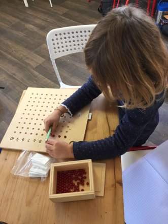 montessori international bordeaux mémorisation multiplication 2