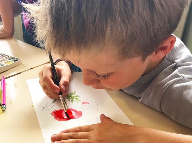 Montessori International de Bordeaux-Gradignan aquarelle couleur rouge