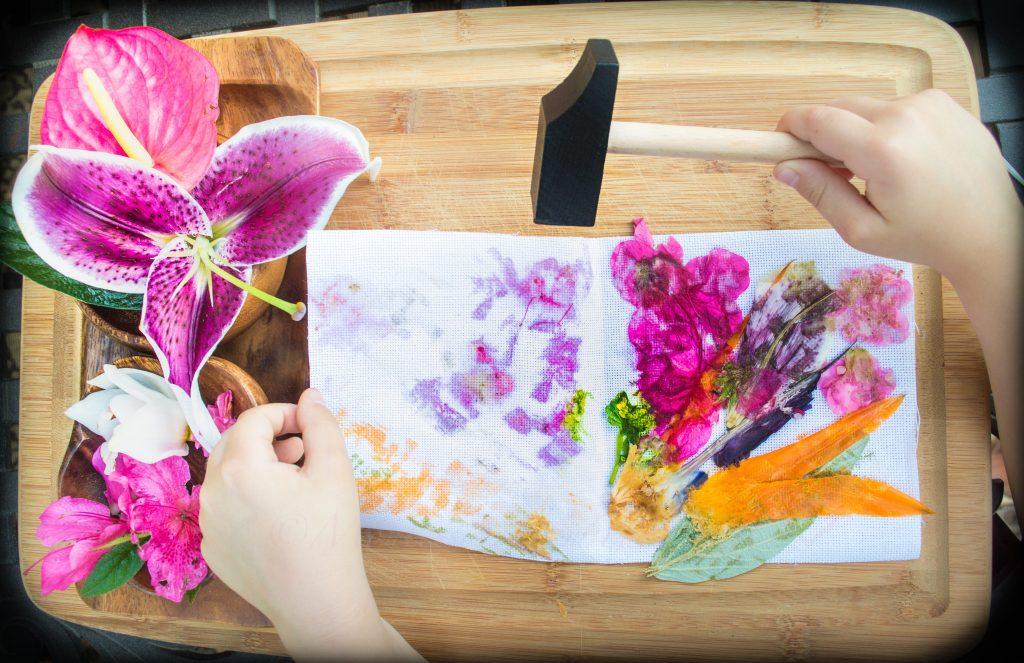 Hapa-Zome-Leaf-Dye-Flower-Pounding