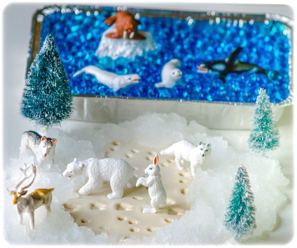 Safari Ltd Arctic Animals Sensory Bin Play Dough Footprints