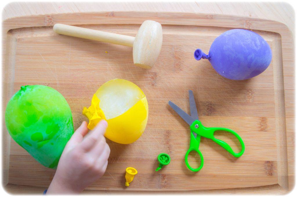 Frozen-Balloon-Dinosaur-Eggs-STEM-Activity
