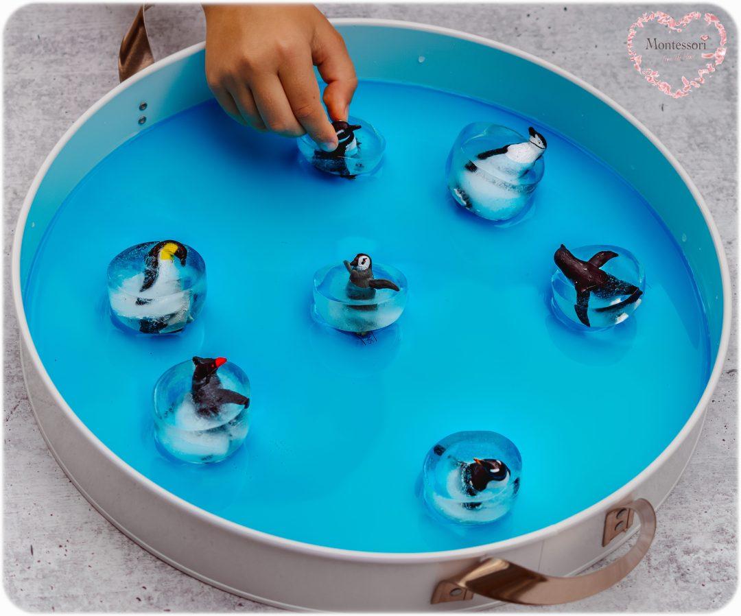 ICE-SKATING PENGUINS Small World Play