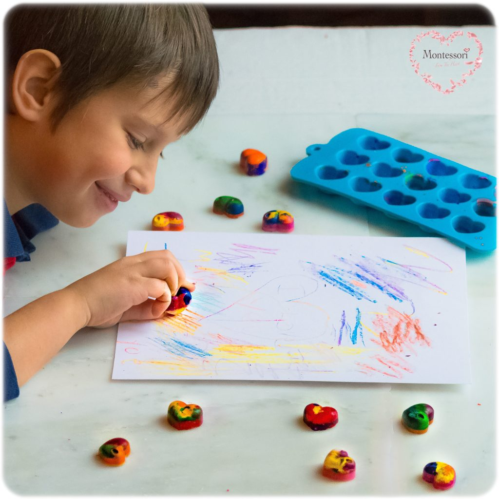 DIY HEARTS MELTED CRAYONS  Valentines Class Gift Hack
