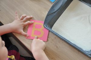 Montessori smirglove pismena