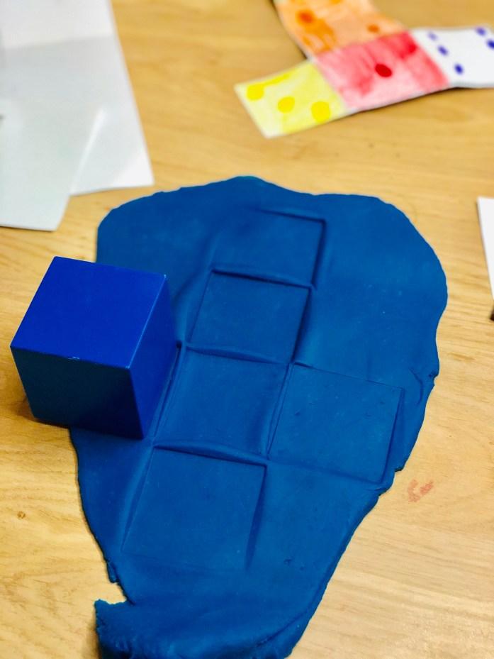 Montessori geometrické telesá - odtláčanie