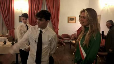 """Gli studenti del Isis B. Varchi sono stati preventivamente sottoposti ad un percorso formativo, finalizzato all'apprendimento delle nozioni base riguardanti la Repubblica di Moldova e la storia delle antiche ceramiche. Un percorso di scambio culturale che dimostra l'importanza della """"buona accoglienza"""" nell'ambito della promozione turistica"""