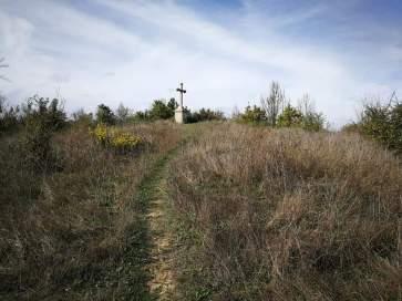 La sommità panoramica del colle, dominata dalla Croce dei Cappuccini