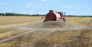Washington State dairy sued for manure disposal