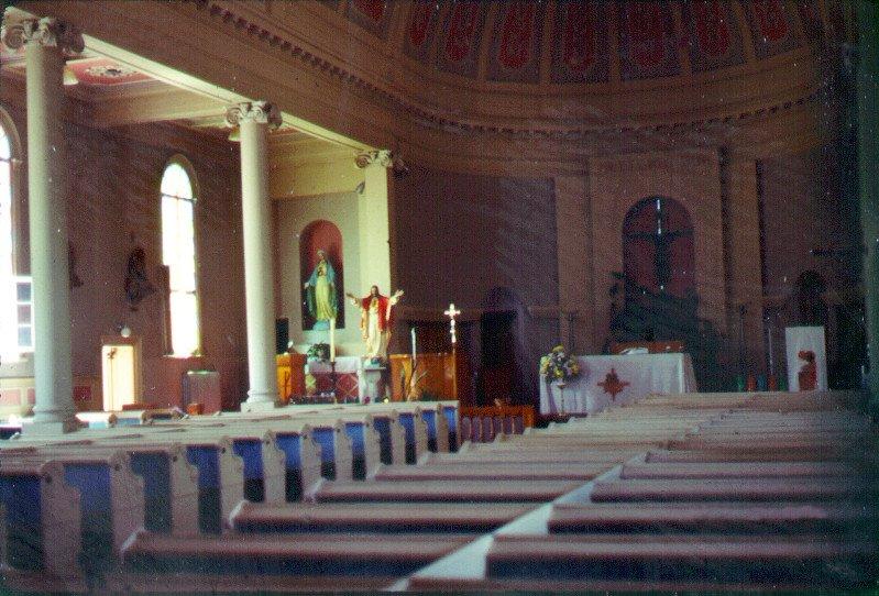 Intérieur de l'église de Chertsey