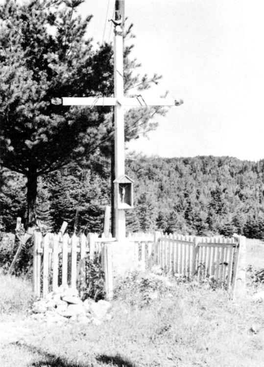 Croix de chemin édifiée vers 1870 dans le 3e rang, près de la résidence de Joseph Latendresse.