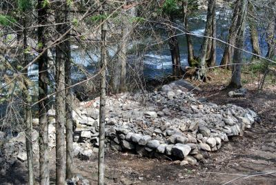 Vestiges d'un moulin - Rivière Jean-Venne, Chertsey