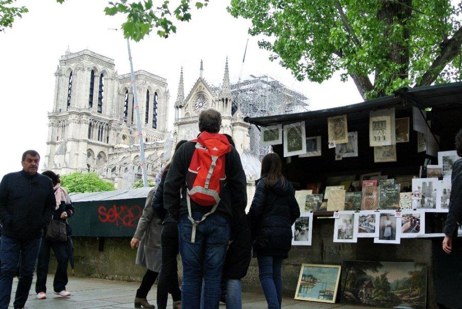 Les bouquinistes et Notre-Dame