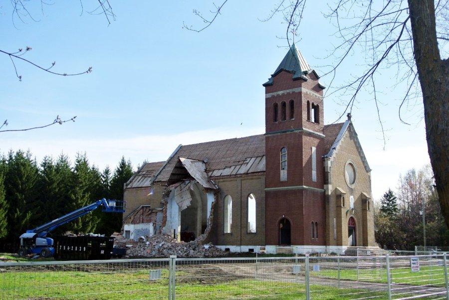Église Notre-Dame-de-Lourdes en travaux